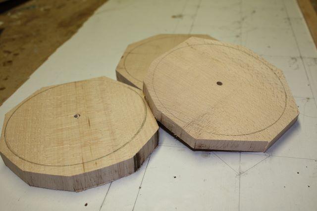 fabrication artisanale de roues en bois pour jouets en. Black Bedroom Furniture Sets. Home Design Ideas