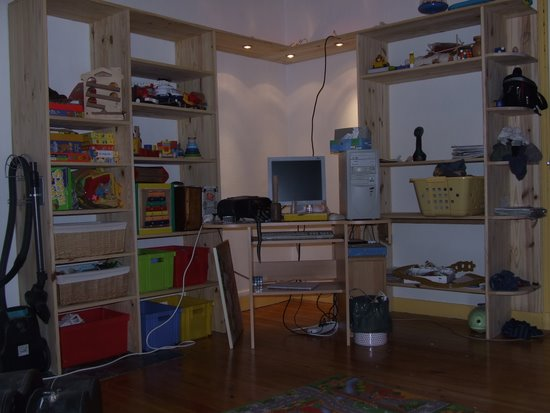 Meuble de rangement en pin sixi me tape brico info le blog de bruno cat - Bureau d angle en pin ...