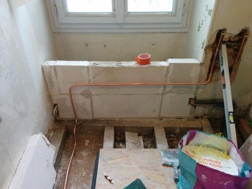 salle de bain du premier modification de la plomberie sanitaire et chauffage brico info le. Black Bedroom Furniture Sets. Home Design Ideas