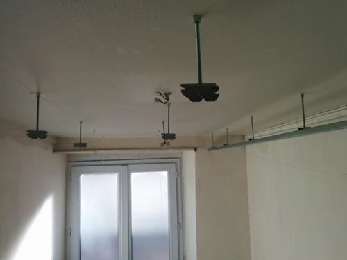 salle de bain du premier faux plafond et porte. Black Bedroom Furniture Sets. Home Design Ideas