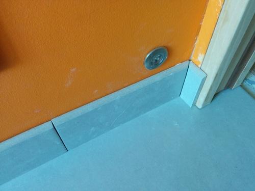 salle de bain du premier adaptation de la porte brico info le blog de bruno catteau. Black Bedroom Furniture Sets. Home Design Ideas